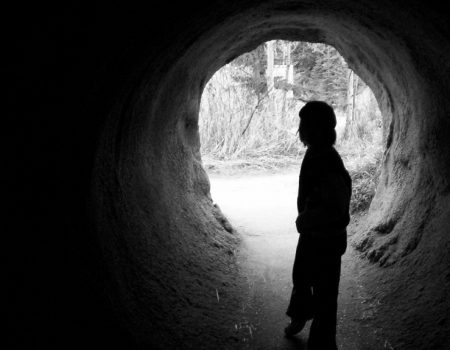 istock_000001096737small_child_in_tunnel.jpg