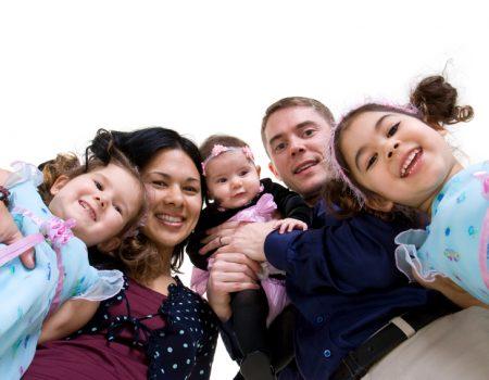 istock_000005512018small_happy_family.jpg